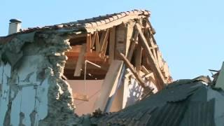 Quake reduces Italian village to ruins